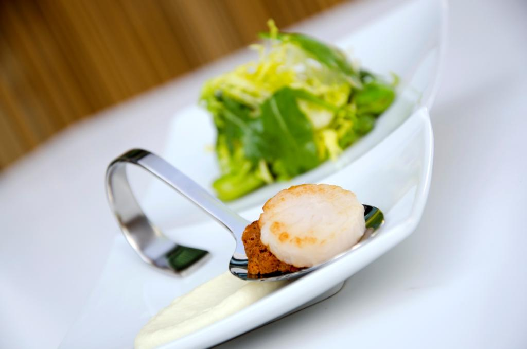 Using Tafelstern Showpieces to Showcase Seared Scallops
